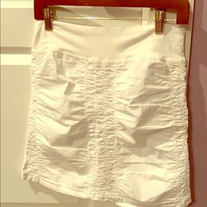 Wearables by XCVI white light weight stretch skirt